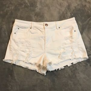 American Eagle Hi-Rise Shortie Distressed Shorts!
